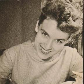 Julia Axen