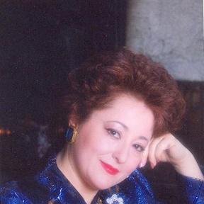 Michèle Command