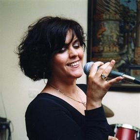 Lisa Manosperti